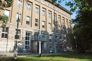Gebäudeansicht der Fachhochschule Dresden