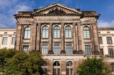 Gebäudeansicht der Hochschule für Musik Dresden