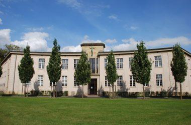 Gebäudeansicht der Palucca Hochschule für Tanz Dresden