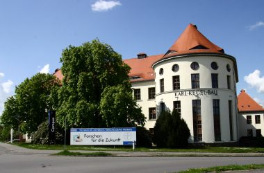 Gebäudeansicht der Technischen Universität Bergakademie Freiberg